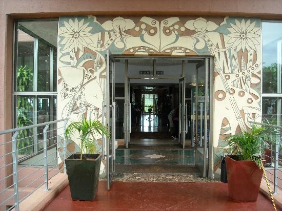 Amerian Portal del Iguazú: Hotel entrance