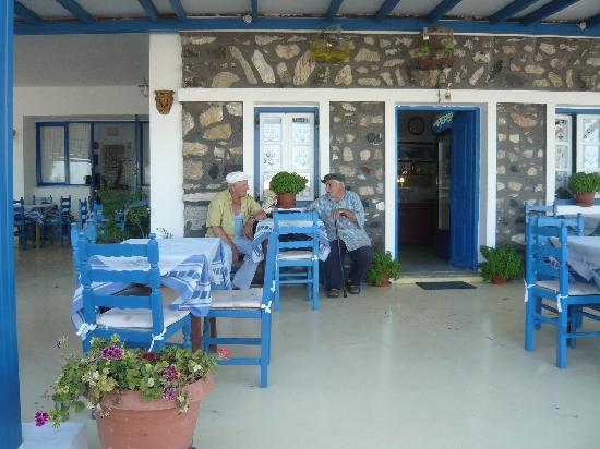 Aegean View Hotel: Beachfront locals