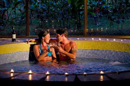 Hotel Montana de Fuego Resort & Spa: Enjoy our Jacuzzi