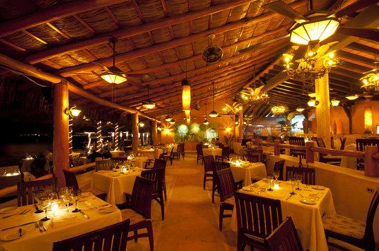 La Palapa: Dining Room