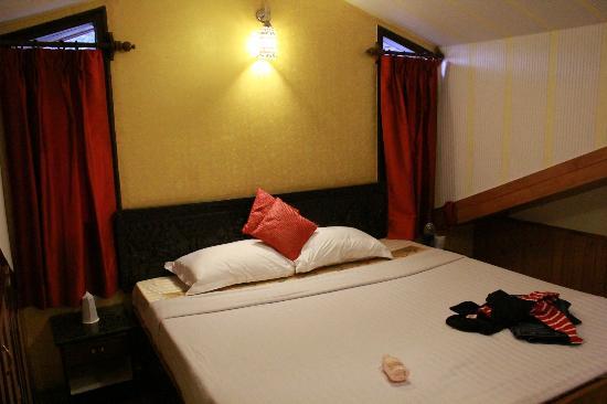 Kapil Hotel : Bedroom