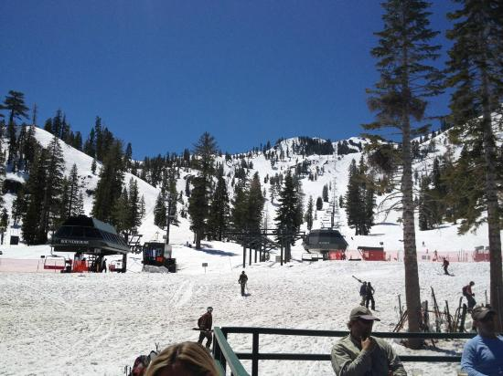 Alpine Meadows - Roundhouse lift