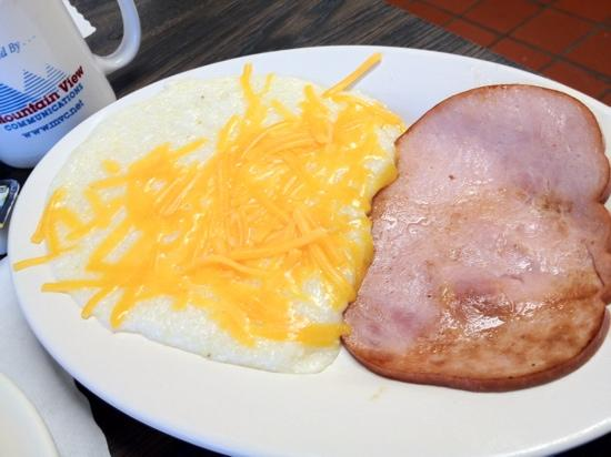 Sharon's Cafe: Cheese Grits & Ham