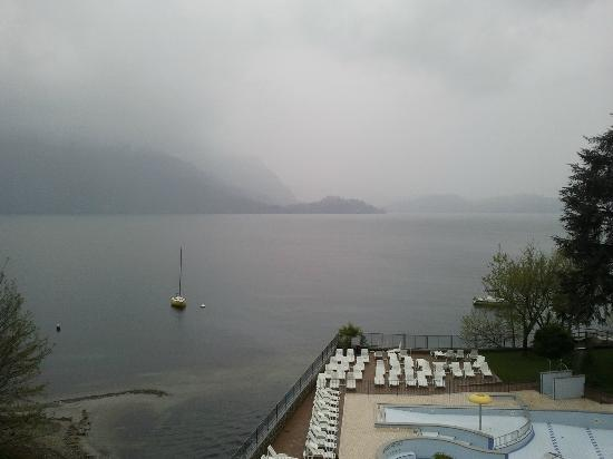 Hotel Residence Zust: The Eastern shore of Lake Maggiore on a gloomy day.