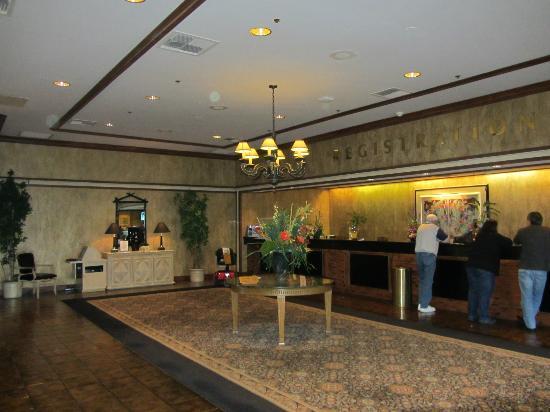 Golden Nugget Laughlin : hall de l'hôtel