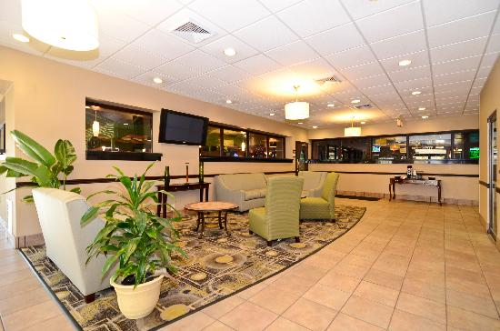 BEST WESTERN Johnson City Hotel & Conference Center: Hotel Lobby