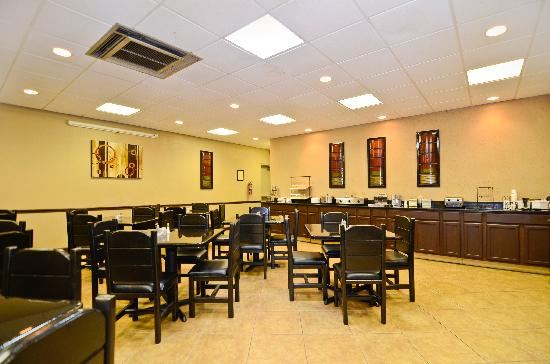 Best Western Johnson City Hotel & Conference Center: Breakfast Room