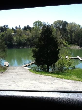 Woodlake Lodge: the boat dock