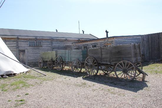Fort Whoop-Up Trading Post Museum: Ft. Whoop Up yard