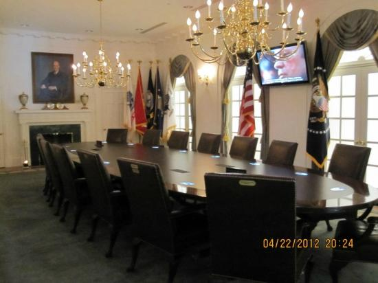 Gerald R. Ford Museum: Replica of the Presidents Cabinet Room