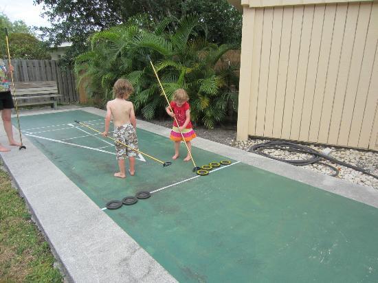 Palm Terrace Resort: Shuffle Board