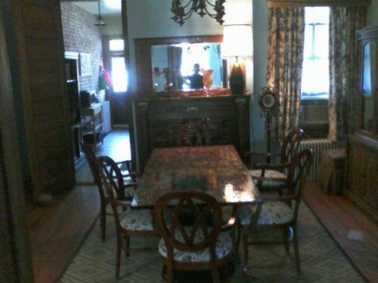 Asante Sana Guest Quarters: Dining Room