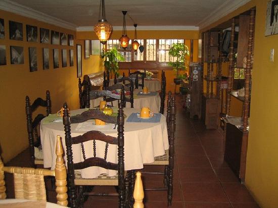La Casa  de Zarela: Breakfast lounge