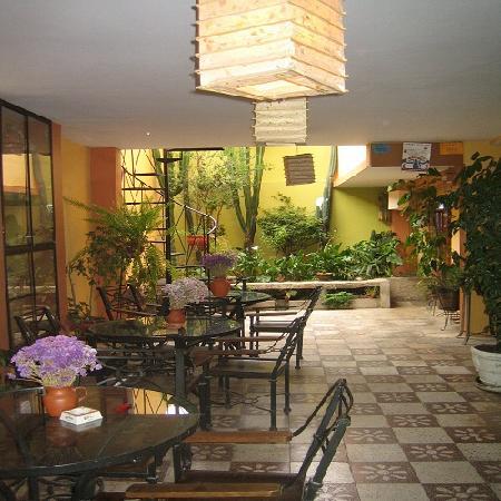 La Casa  de Zarela: 1st floor terrace