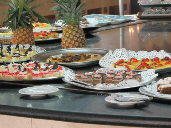 Grand Palladium Punta Cana Resort & Spa : desserts au buffet