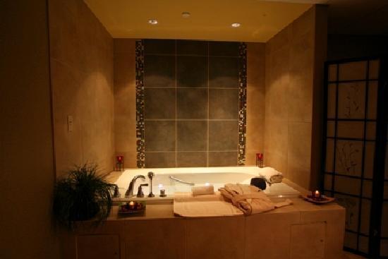 Spa Botanica Hampton: Hydrotherapy Bath