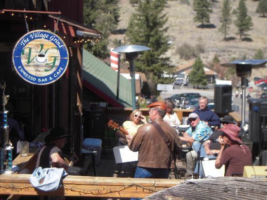 Village Grind : Music on the deck.