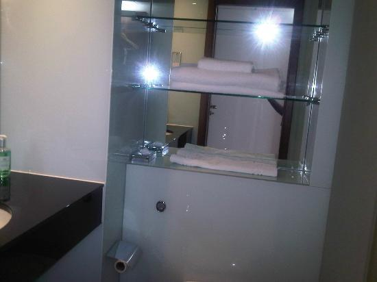 Bathroom bild von ramada encore leicester city centre for G bathrooms leicester