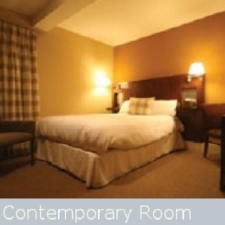 The Royal Oak Hotel : Contemporary Bedroom