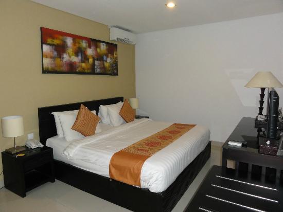 Gosyen Hotel: habitación