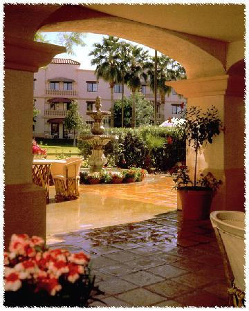 Windmill Suites in Surprise: Windmill Surprise - Events - Patio - Courtyard