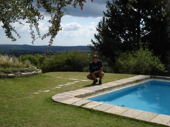 Castillo de Mandl: La pileta con una vista presiosa