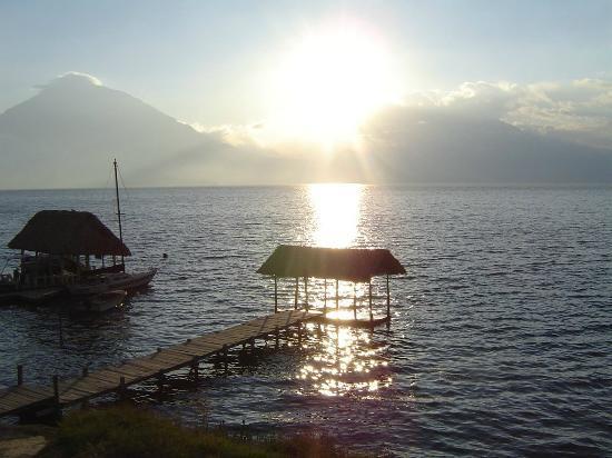 Lake Atitlan: Atardecer en uno de los pueblos