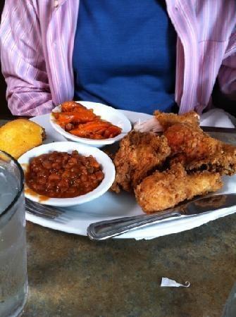 Chez Soul: Chez's Fried Chicken, Yams & Baked Beans