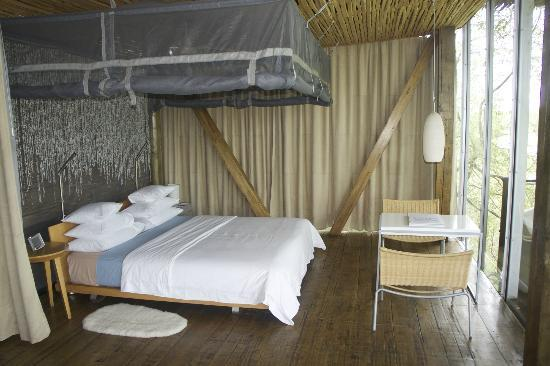 Singita Lebombo Lodge: king size super comfortable bed