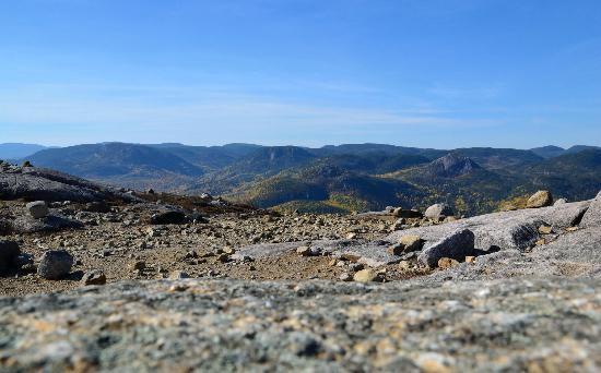Charlevoix, Canada: Point de vue sur les montagnes Charlevoisiennes