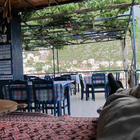Santosa Pension : Roof Terrace