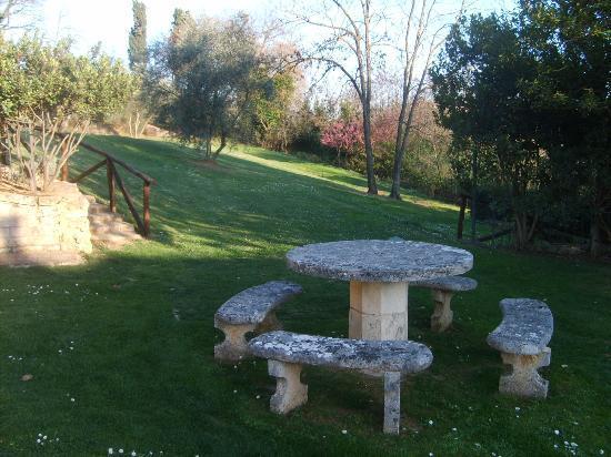 Borgo Grondaie: Hotel gardens