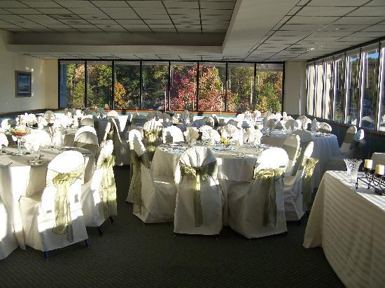 Queens Landing : popular wedding banquet venue