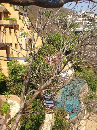 Capella Ixtapa: quiet pools/salt water