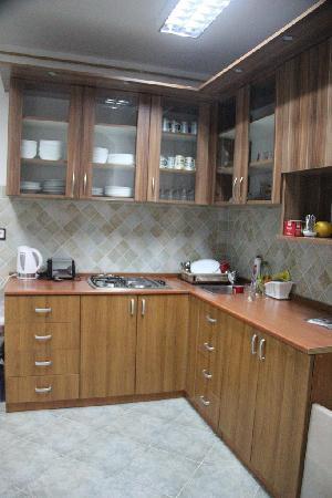 Hostel Tito46: spotless kitchen !