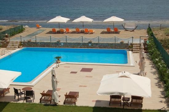 Hotel Vina: τεράστιοι εξωτερικοί χώροι και φιλικό οικογενειακό περιβάλλον