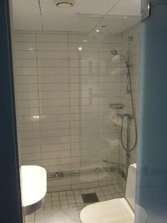 Elite Palace Hotel Stockholm: Bathroom