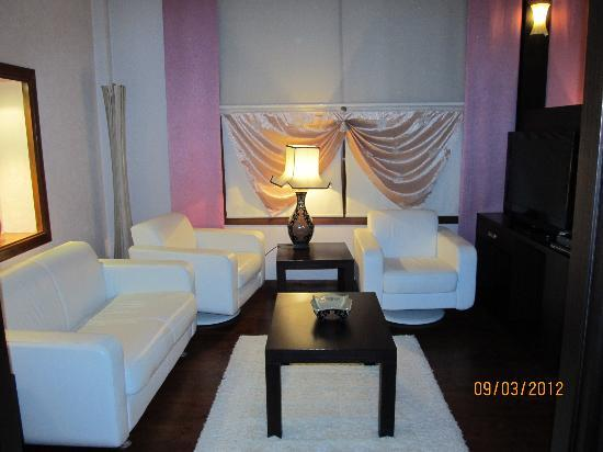 Eski Masal Hotel: The living area