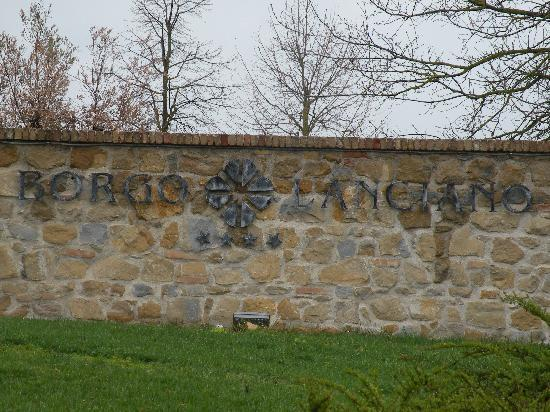 Castelraimondo, إيطاليا: Ingresso al borgo