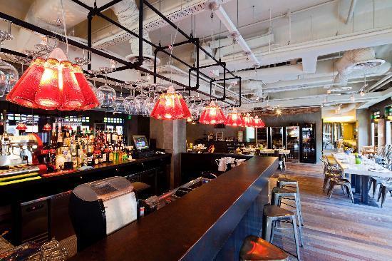 Cocotte bar
