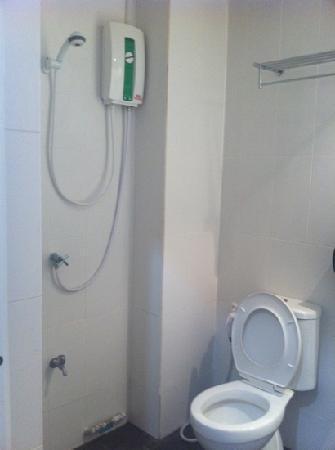 ETZzz Hostel: baño habitación privada