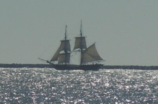Windjammer Condominiums: Historic ship sighting