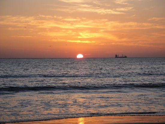 Agadir Beach: sunset at the beach