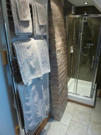 Huntlands Farm Bed & Breakfast: fine towel warmers