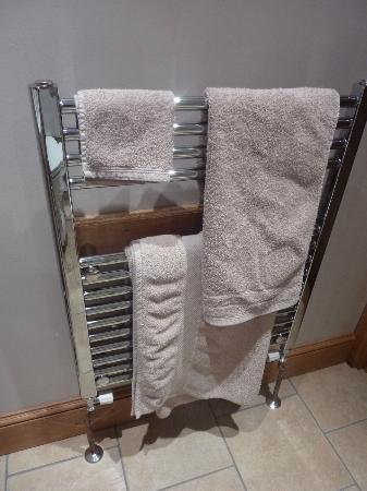 Huntlands Farm Bed & Breakfast: beautiful towel warmers