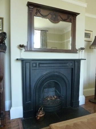 Huntlands Farm Bed & Breakfast: fireplaces are everywhere, and also in many rooms