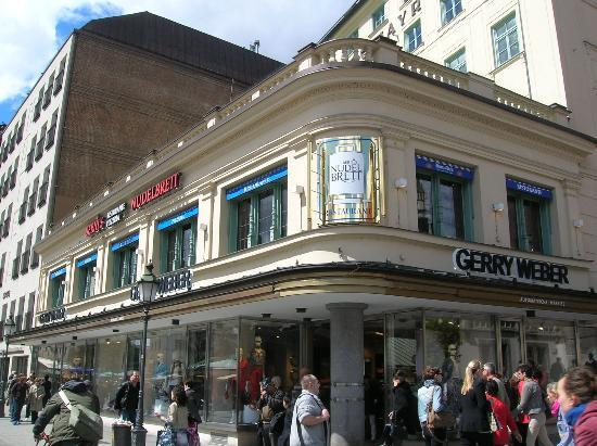 Berni's Pizzeria: Il ristorante, lato viktualienmarkt.