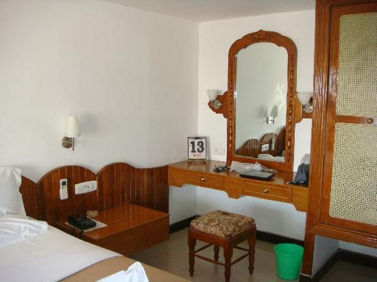Sree Annapoorna Lodging: Dressing table