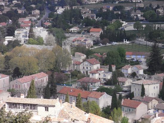 Les tilleuls d'Elisee: Blick von der Burg auf das Hotel