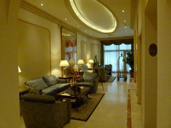 Hotel Roger De Lluria Barcelona: Lobby